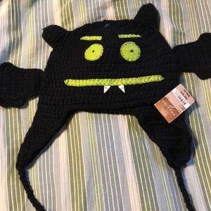 Cute monster hat NWT